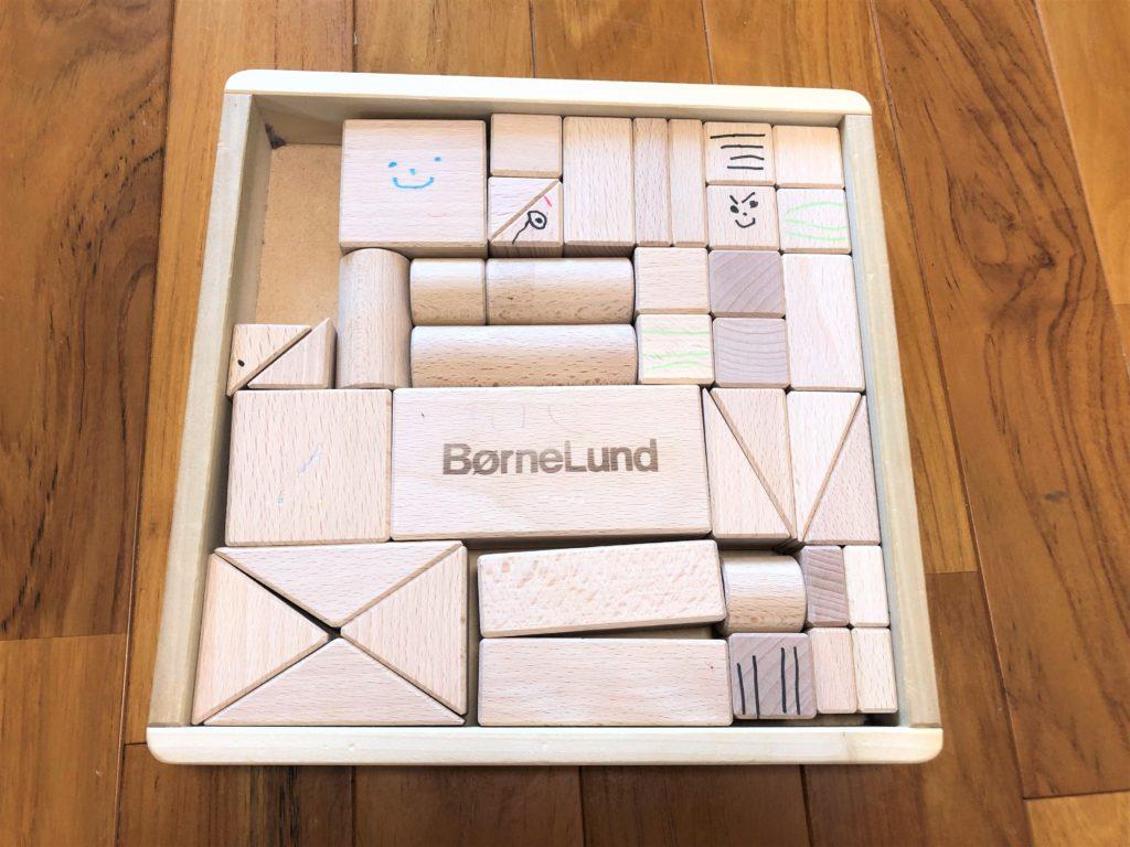 ブログ「モノオス」ボーネルンドのオリジナル積み木(白木)を撮った画像