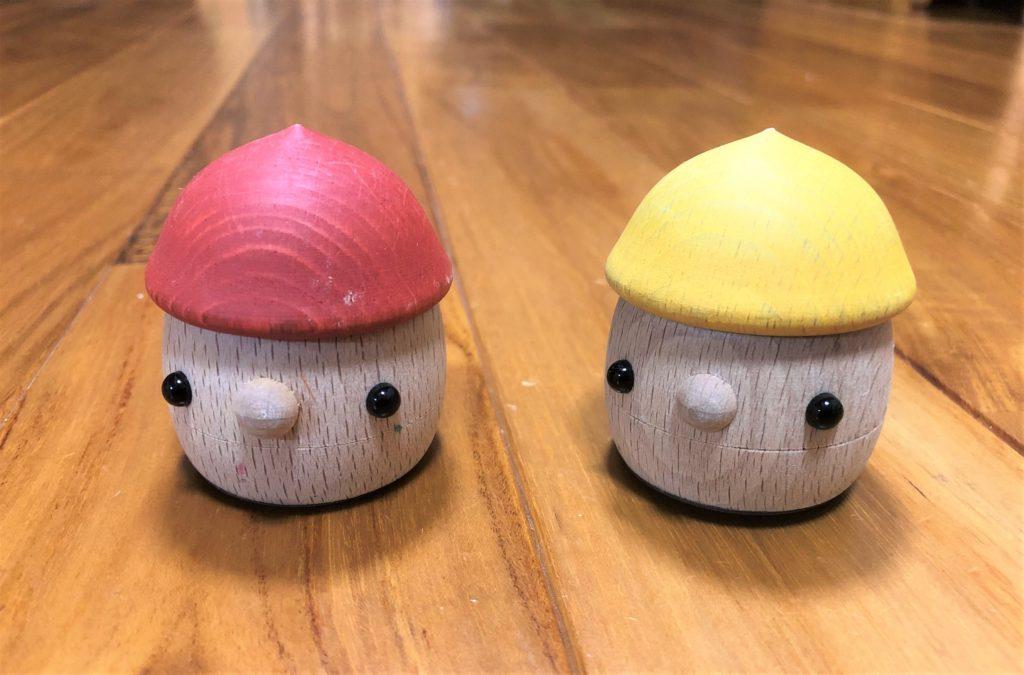 ブログ「モノオス」おもちゃのこまーむのどんぐりころころを正面から撮った画像