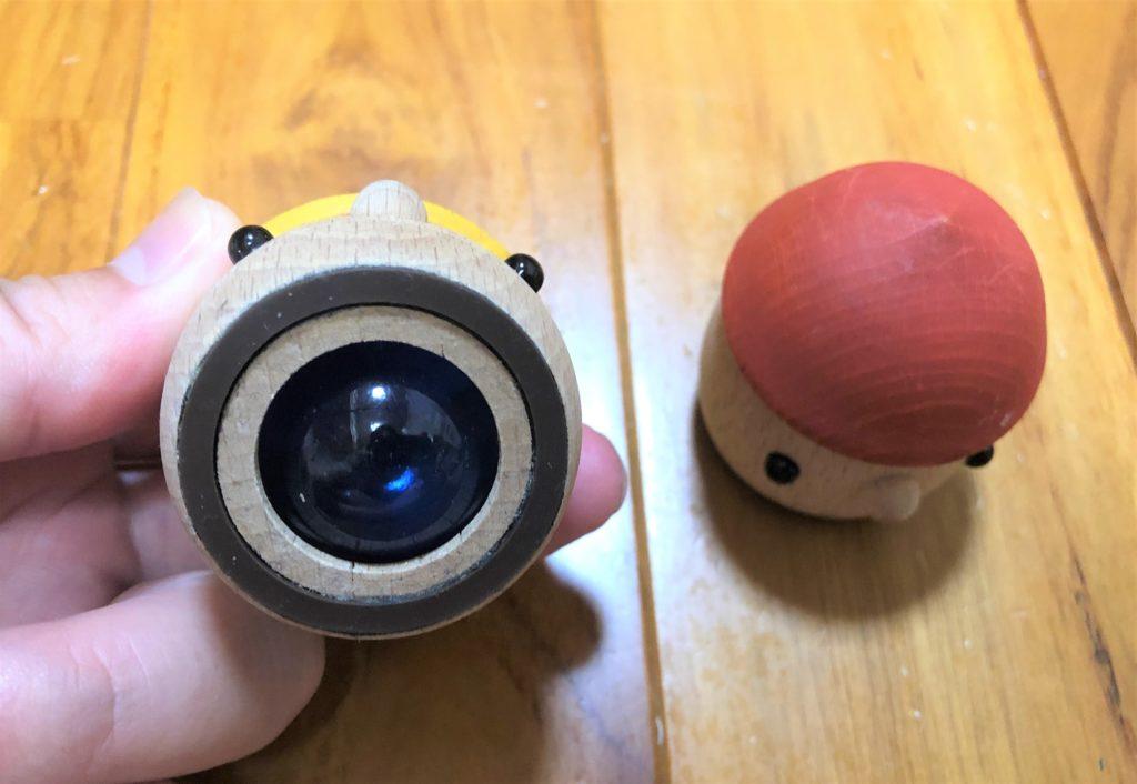 ブログ「モノオス」おもちゃのこまーむのどんぐりころころの底面を撮った画像