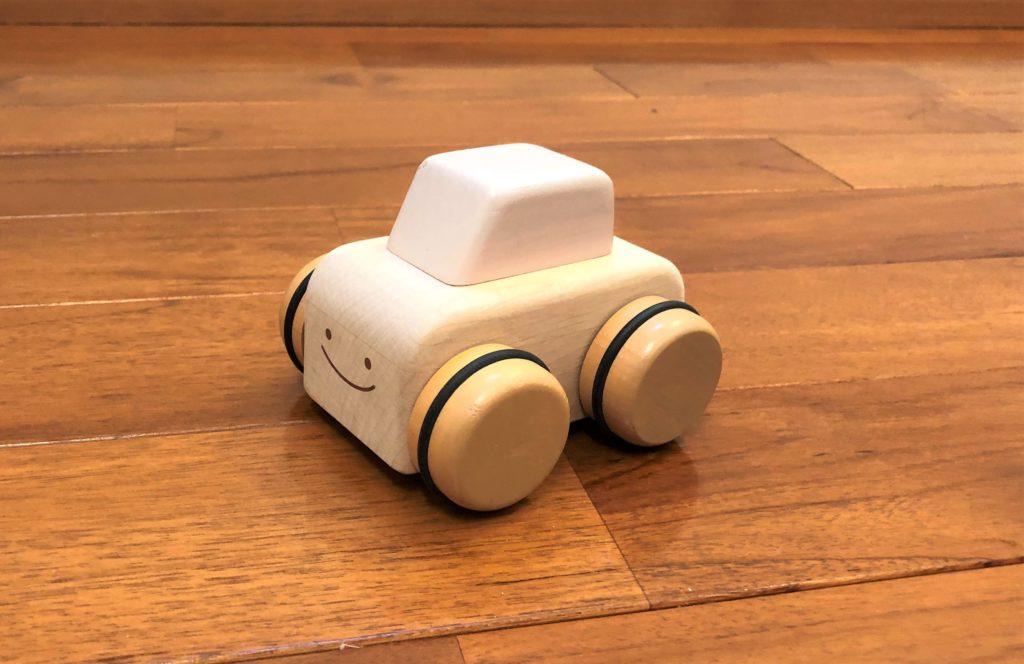 ブログ「モノオス」ニチガンのオルゴールカーを斜め横から撮った画像