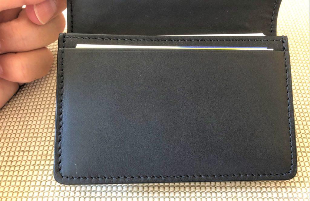 ブログ「モノオス」ボッテガヴェネタ名刺入れの内側にある面のステッチを撮った画像