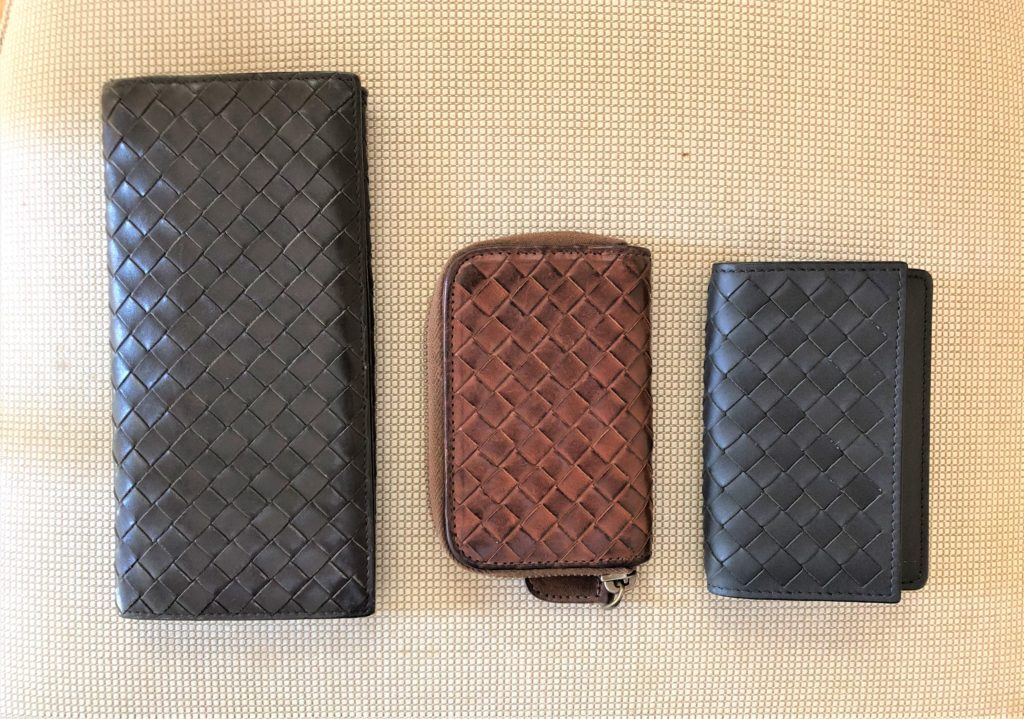 ブログ「モノオス」ボッテガヴェネタの名刺入れ、小銭入れ、長財布を撮った画像