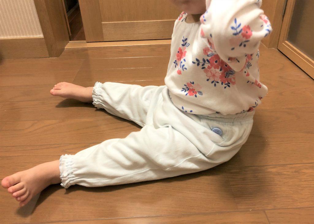 ブログ「モノオス」コンビミニのベビー用パジャマを赤ちゃんが着た画像