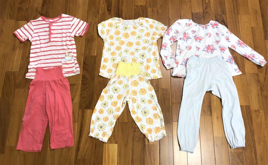 ブログ「モノオス」コンビミニのキッズ用パジャマ上下を撮った画像