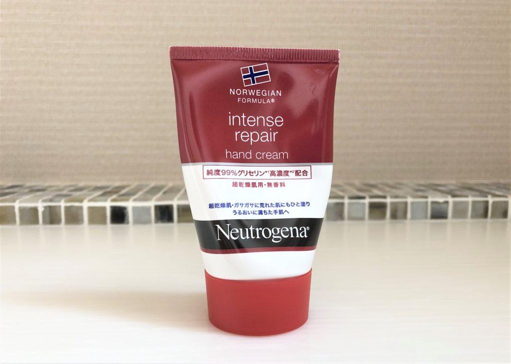 ブログ「モノオス」ニュートロジーナインテンスリペアハンドクリームのパッケージの表側を撮った画像