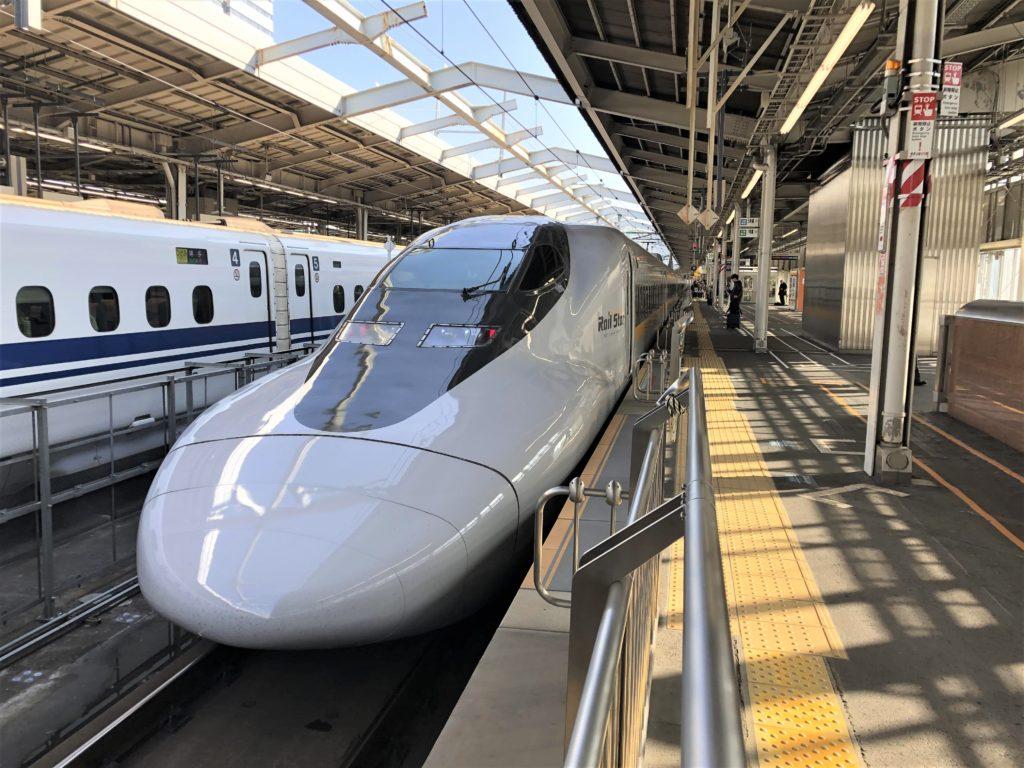 ブログ「モノオス」バリ得こだまで、新幹線こだまの先頭車両を撮った画像