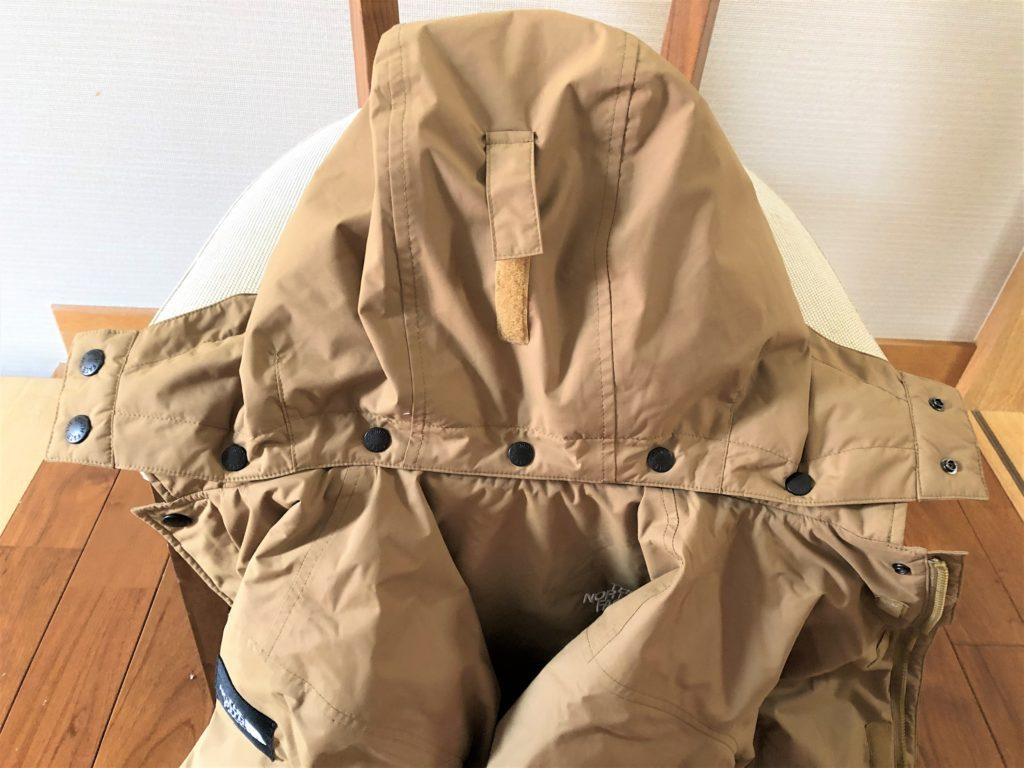 ブログ「モノオス」ノースフェイス ウィンターコーチジャケット キッズのフードとジャケットを撮った画像